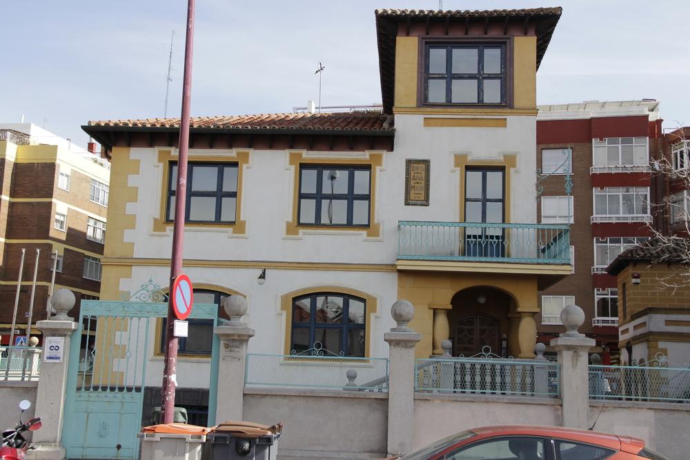 Quinta Ana Mari / hoy Sede de la Policía en la Carretera de Rueda