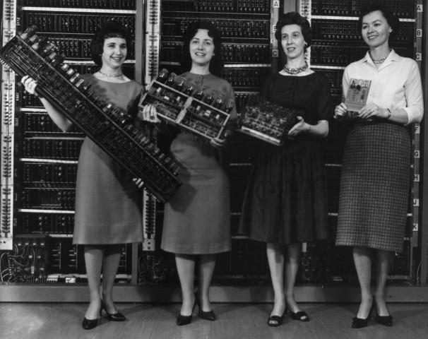 Cuatro de las seis programadoras del ENIAC, el primer ordenador de propósito general.