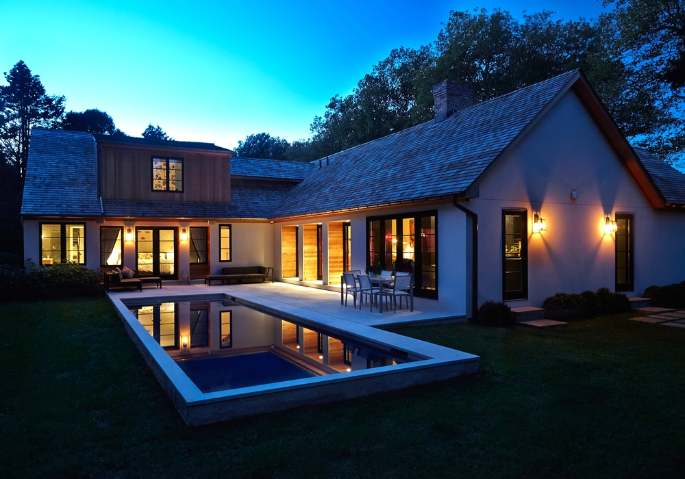 east-hampton-villa-external-night.jpg