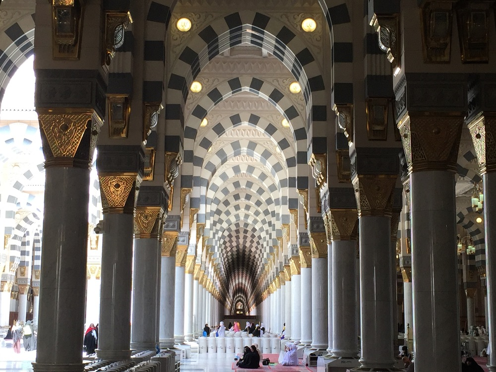 Islamic interior design in the prophet's mosque