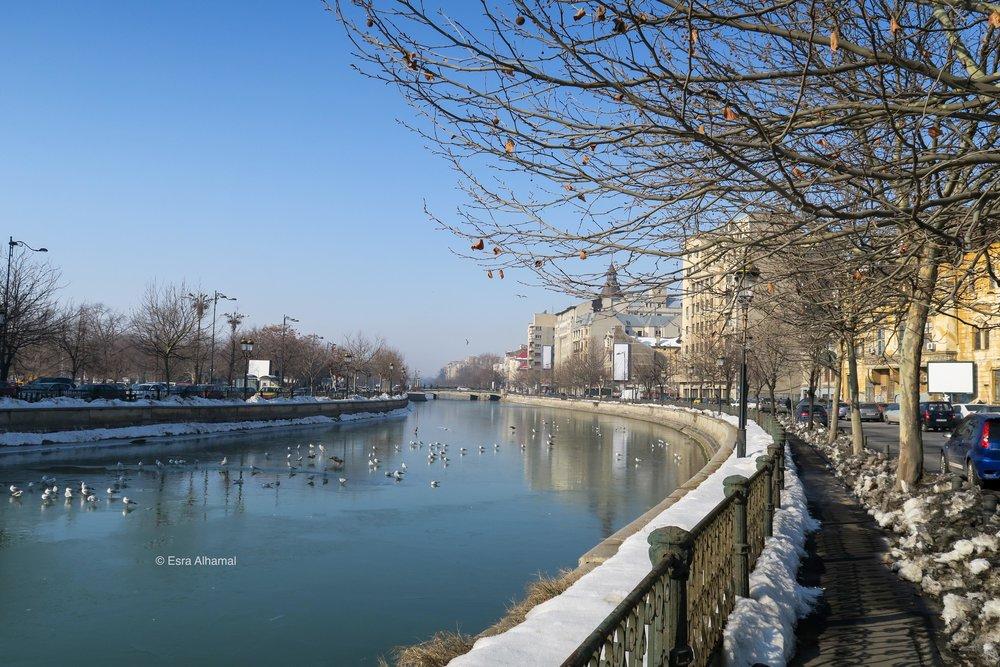 النهر في العاصمة بوخرست