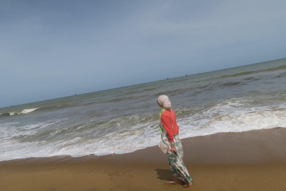 على شواطيء سريلانكا