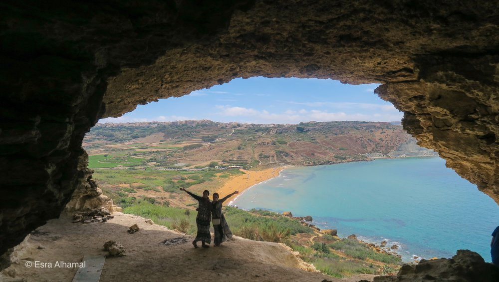 Hiking to Calypso Cave in Gozo Malta