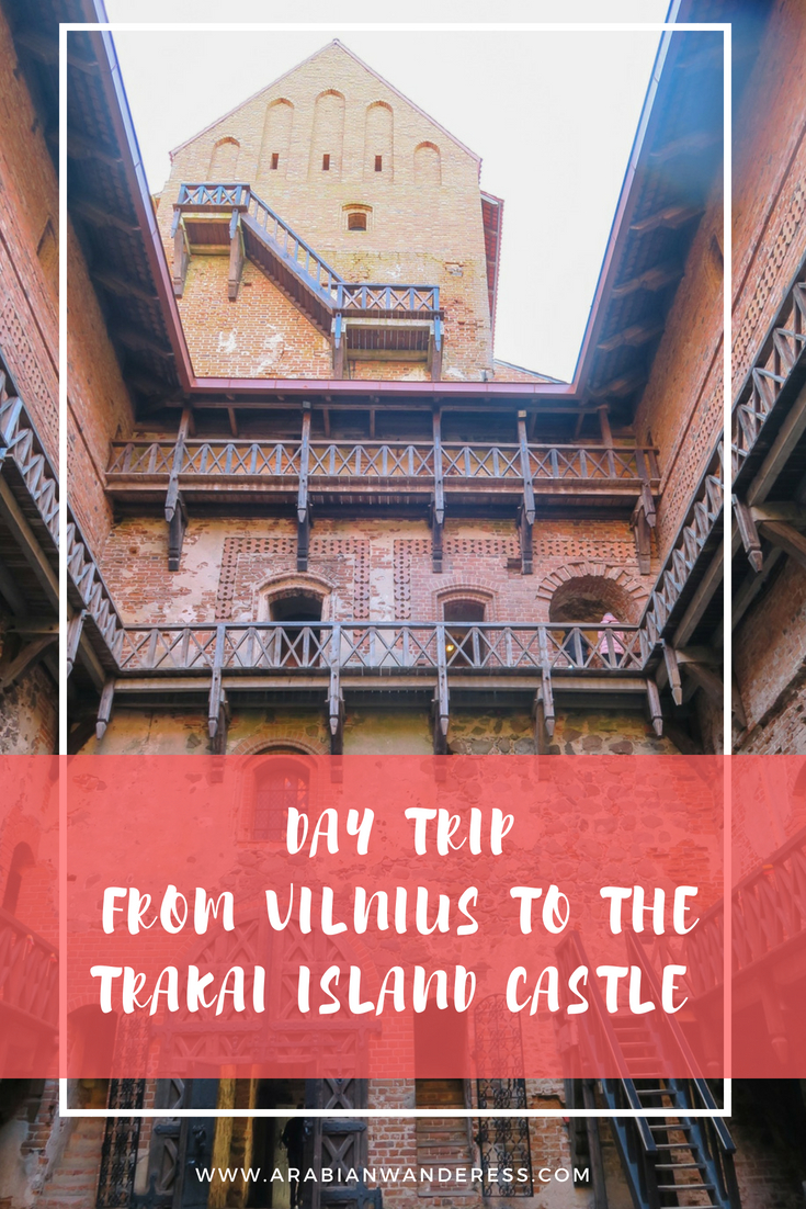 DAY TRIP  FROM VILNIUS TO THE TRAKAI ISLAND CASTLE