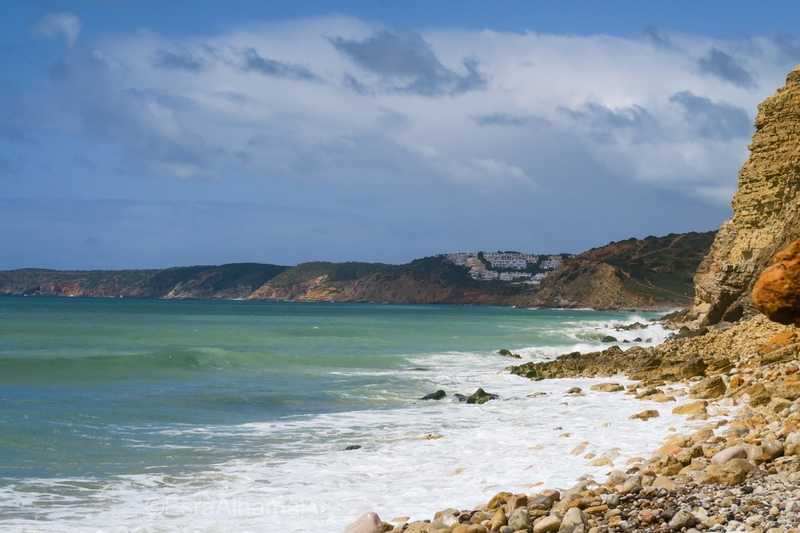 Burgau and surrounding area is a great place for yoga and surfing