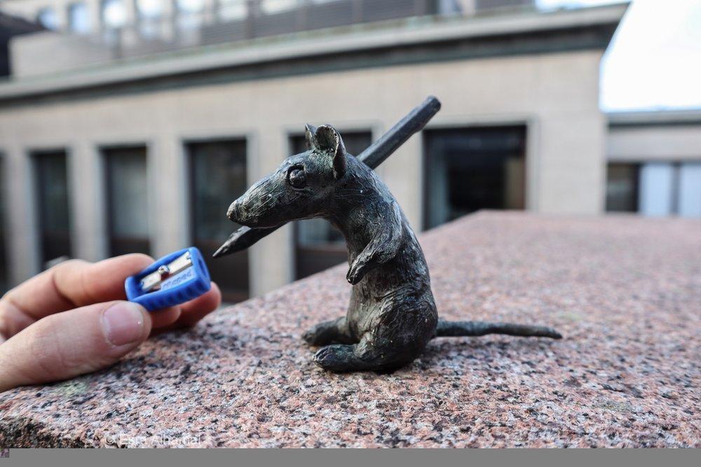 Smallest Finish Statue
