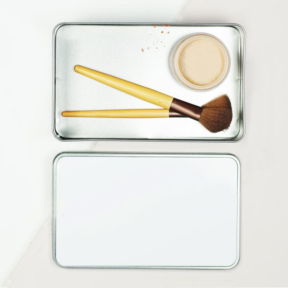 Make-up_blank.jpg
