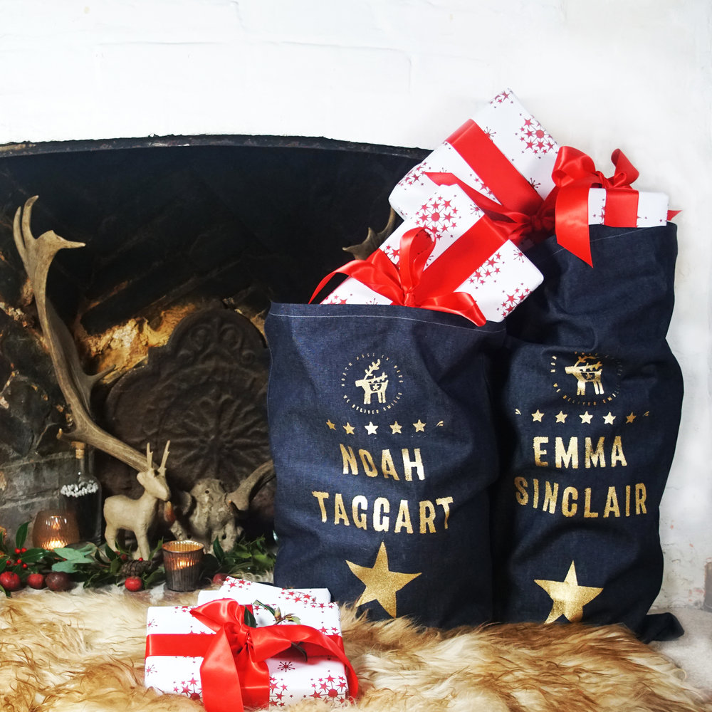 Christmas-sacks_lifestyle_fireplace_denim_white_red_grey.jpg