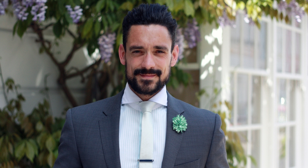 MINT GREEN - THE ESSENTIAL SUMMER COLOUR - FORMAL STYLING
