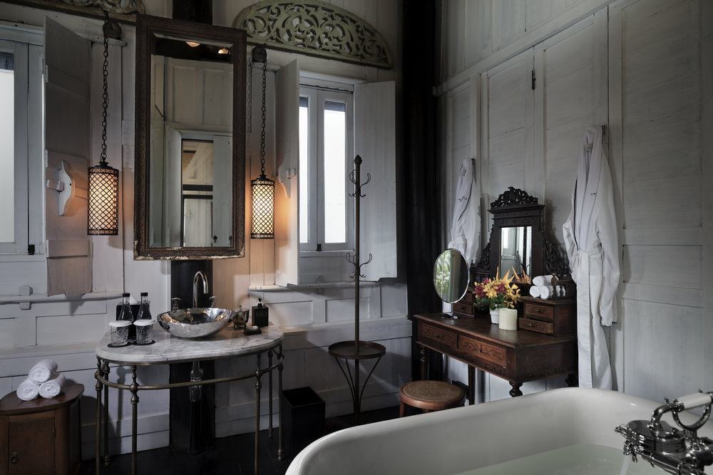 The Siam. Connie's Cottage - Bathroom 1.jpg