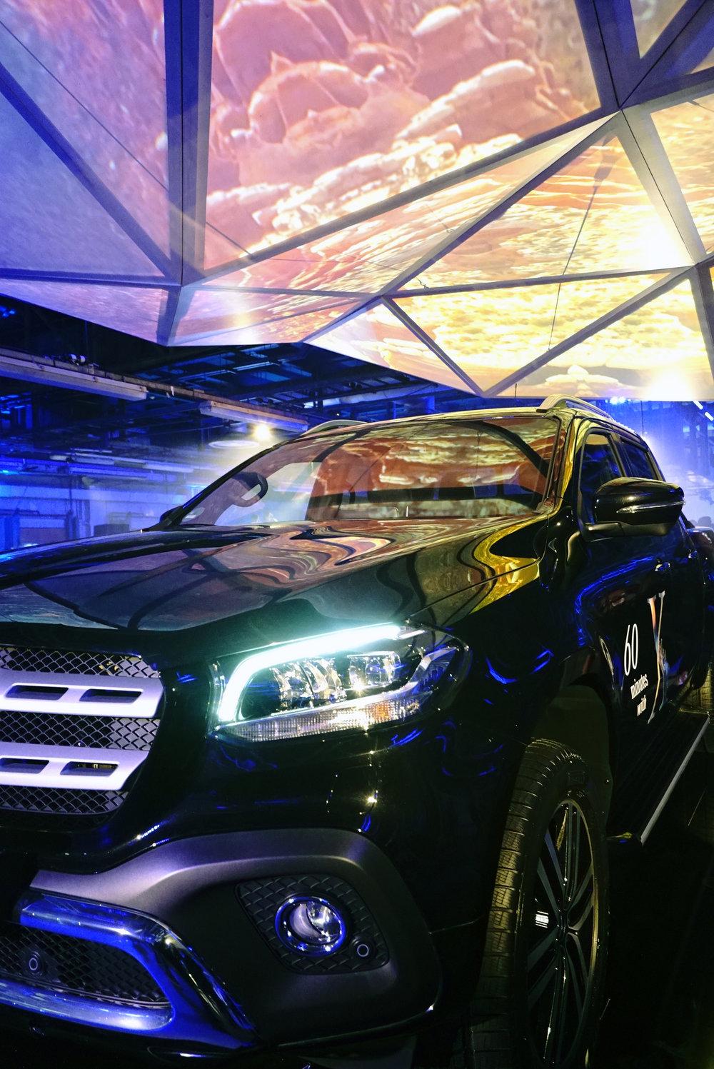 Mercedes X-Class Light Details.jpg