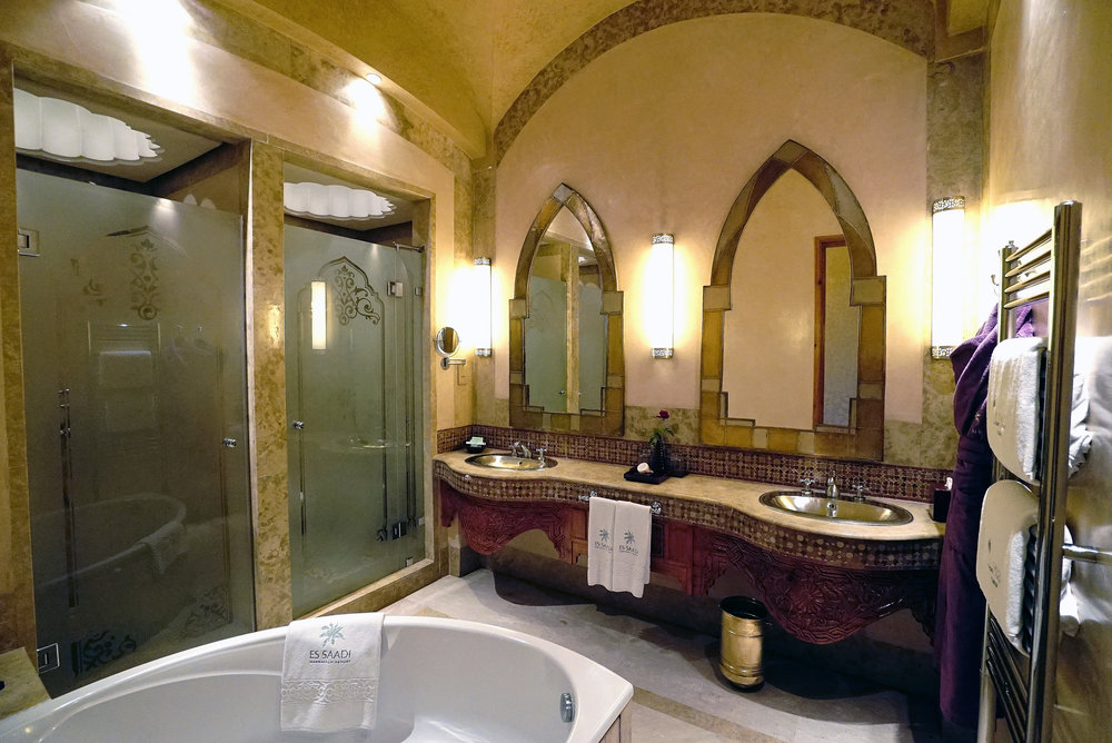 Es Saadi The Palace Bathroom.jpg