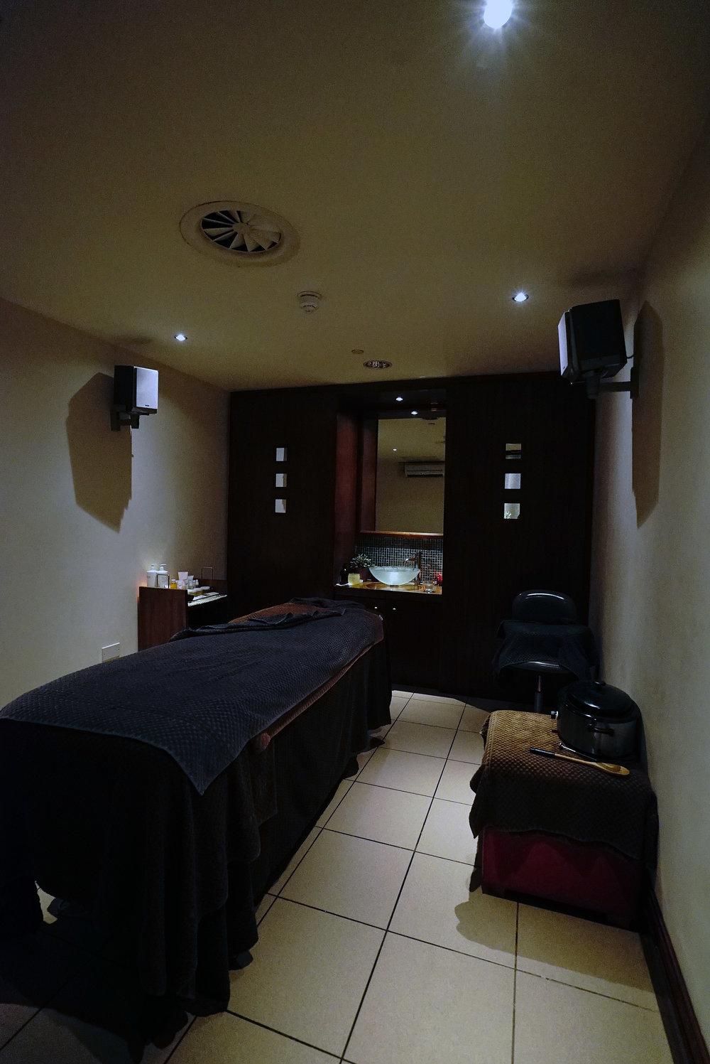 10 - Mercure Cardiff Holland House Hotel x Carl Thompson.jpg