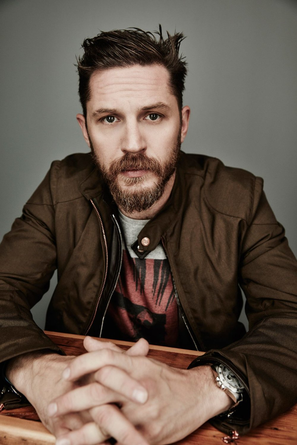 Tom-Hardy-2015-Toronto-Film-Festival-Photoshoot-tom-hardy-39213944-1200-1800.jpg