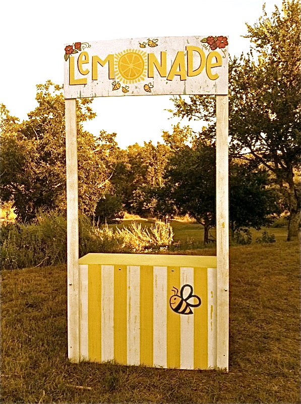 BeeSweet Lemonade hired friend Kara Shaw to paint their official lemonade stand.  The bright and beautiful, 10 year old Mikaila Ulmer, appeared on ABC's Shark Tank in the spring of 2015.  Mikaila is a social entrepreneur, bee ambassador, educator, and sweet young lady.