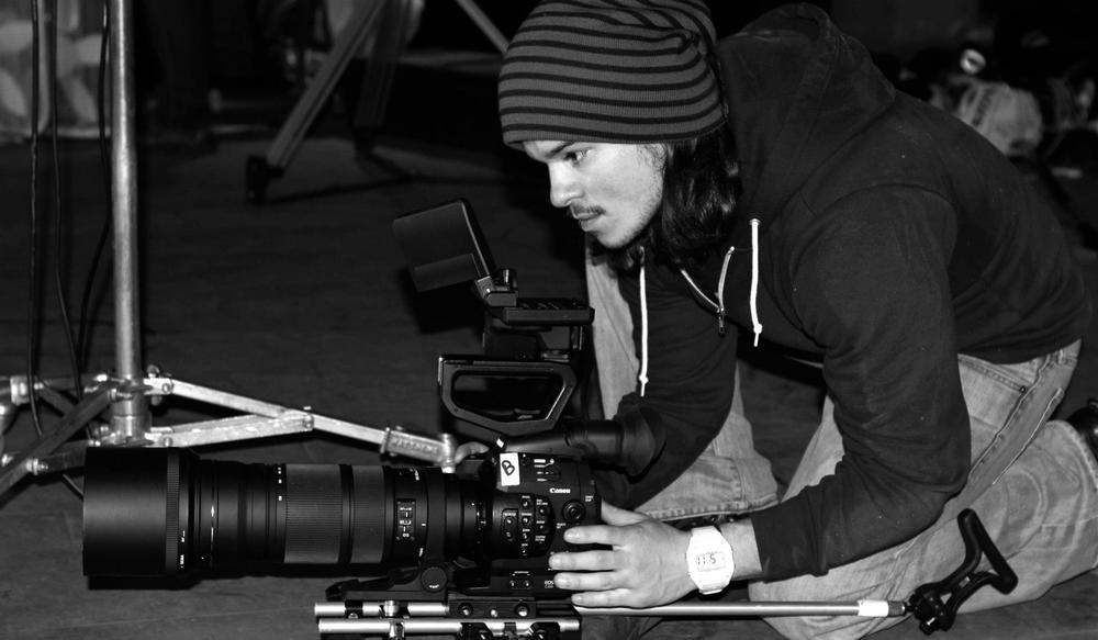 Producer Filipe DeAndrade on the set of  The Lineup .