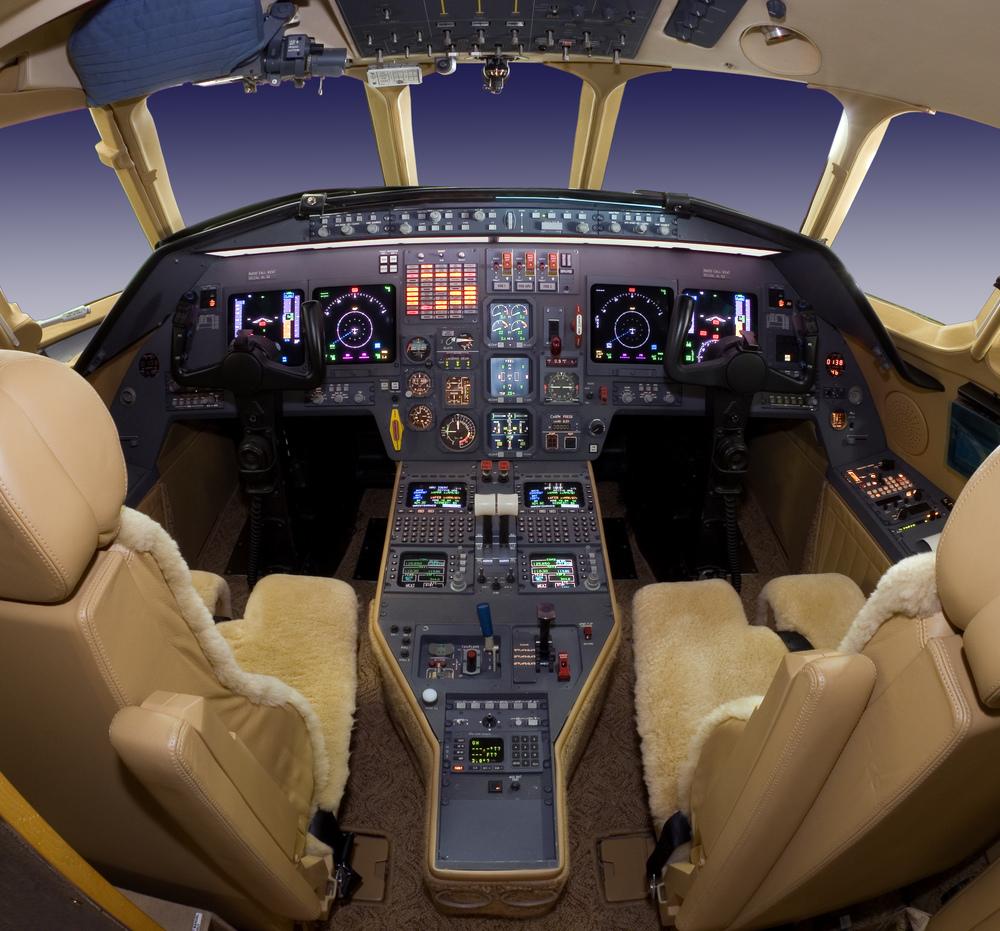 F Cockpit-2.jpg