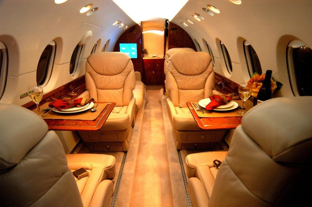Hawker 800 interior-1.JPG