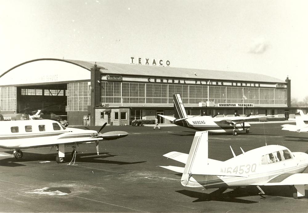 misc aircraft arounf hangar 1.jpg