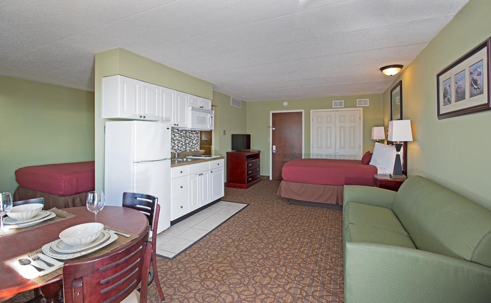 Coronado_Room_85A1488.png