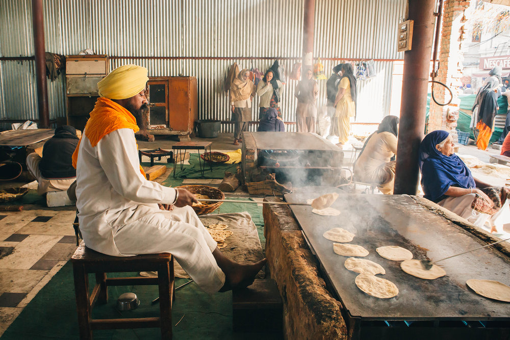deepi-ahluwalia-golden-temple-langar-13.jpg