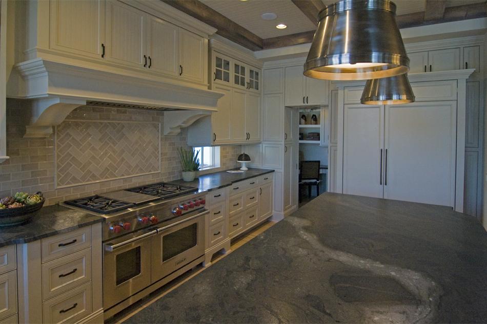 2013LocustHillsSpringPreview-Kitchen.jpg