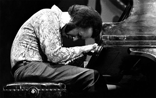 Hampton HAwes In The Moment