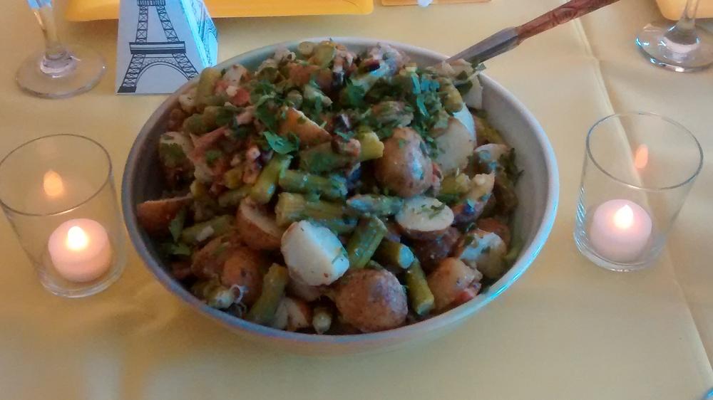 Salade de pomme de terre, asperges et estragon.
