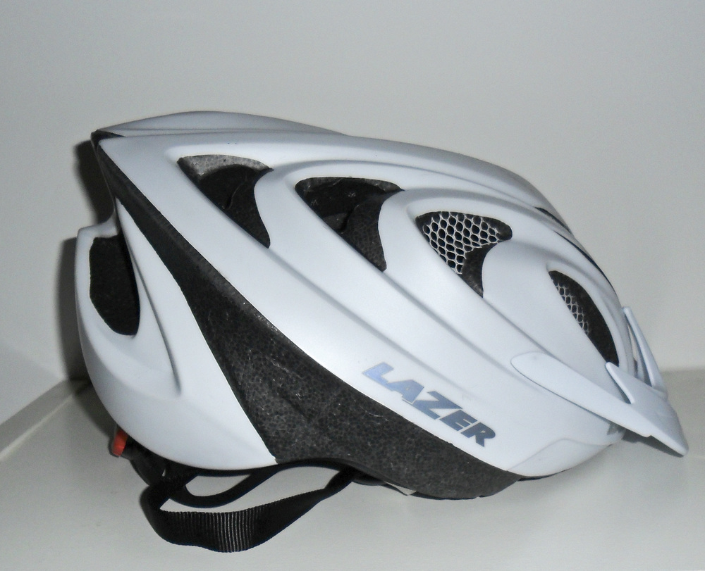 Helmet-002.jpg