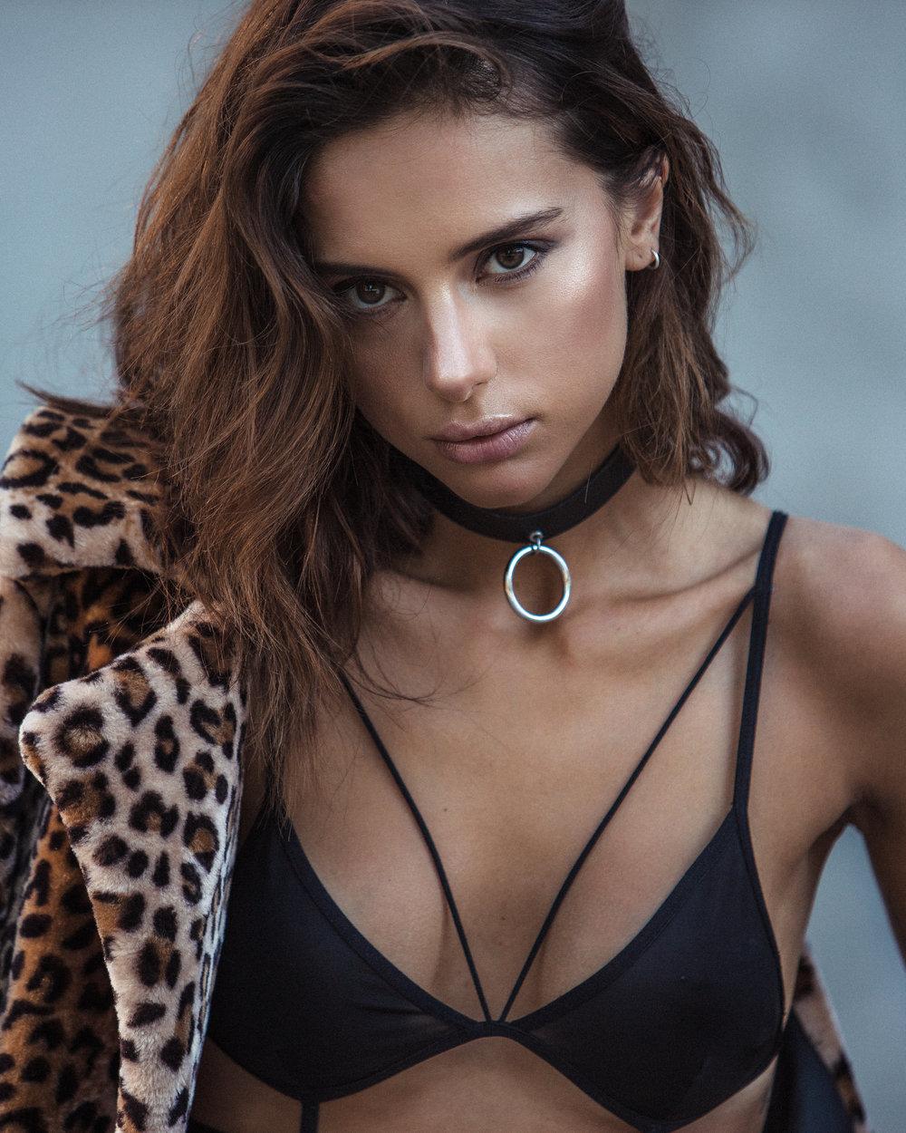 Sandra Rieder Nude Photos 29