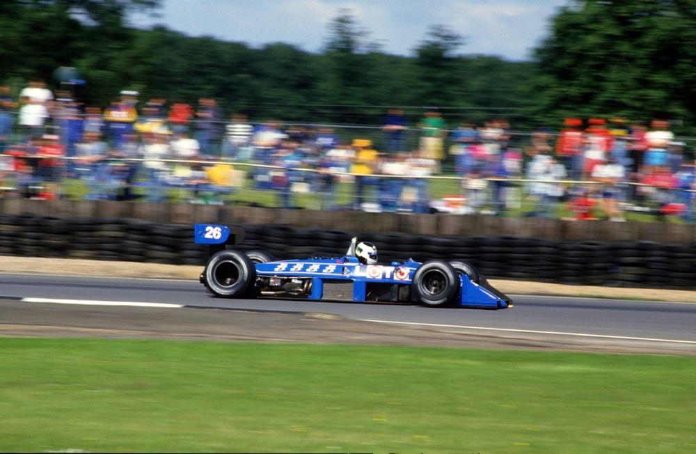 Stefan JOHANSSON(Ligier-1988)Silverstone.jpg