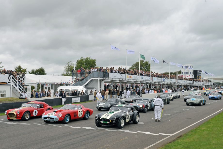 Start of the RAC Tourist Trophy Celebration Race at 2013 Goodwood Revival.jpg
