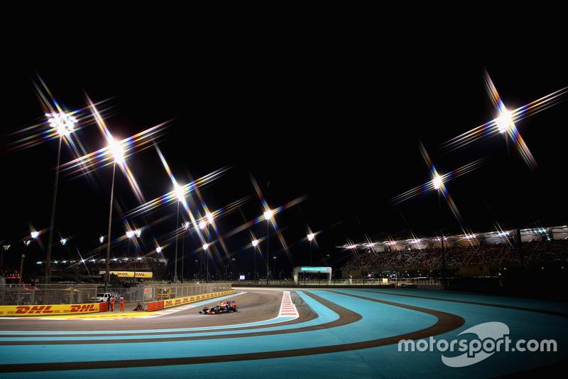 f1-abu-dhabi-gp-2015-daniel-ricciardo-red-bull-racing-rb11.jpg