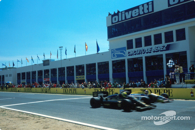 f1-spanish-gp-1986-ayrton-senna-takes-the-checkered-flag-0-014-seconds-ahead-of-nigel-mans.jpg
