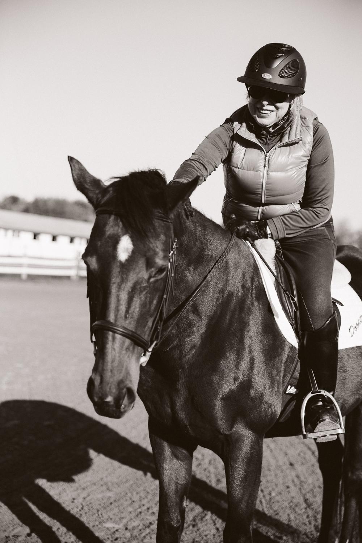 equestrianhorseblackandwhite