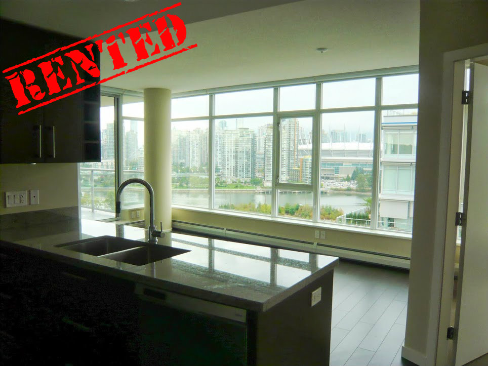 14th Floor, 1708 Columbia St  Square Footage: 837ft²  Bedrooms: 2 Bathrooms: 2 Price/month: $2,500/month