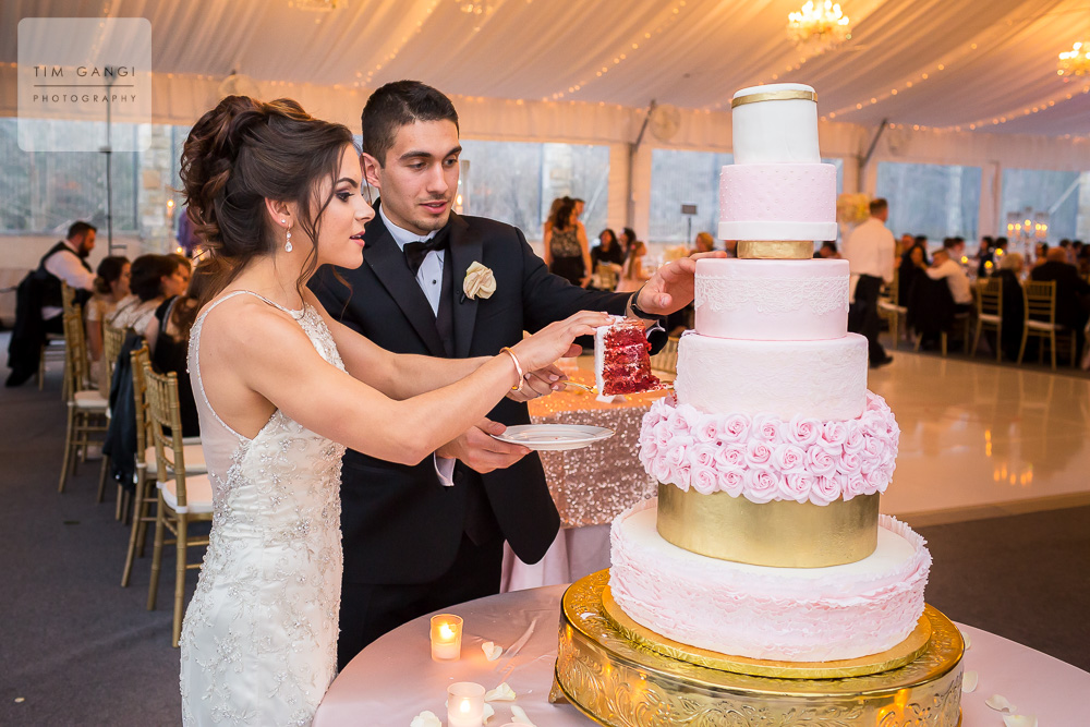 Could anything be more decadent and gorgeous then this 7-tier red velvet wedding cake?!