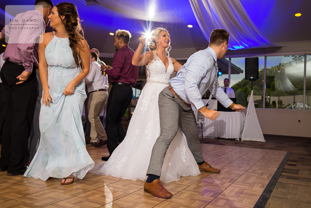 Lets just say there was no shortage of awesome on the dance floor! Bust a move!