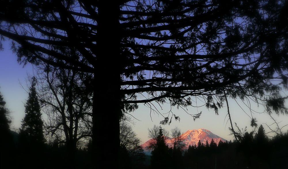 Mt Shasta-Bai Shan sunset