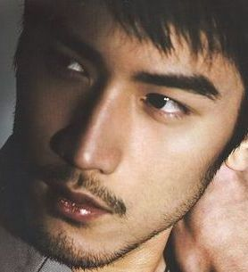 Ronald Zhao, Mai Martin's bodyguard and lover