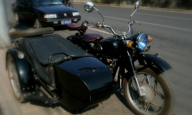 Ronald Zhao's  classic Russian M72 motorcycle