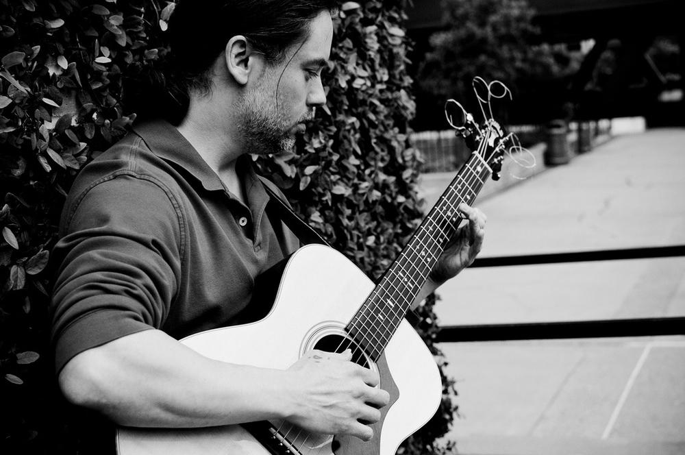Guitarist Darrell Hill