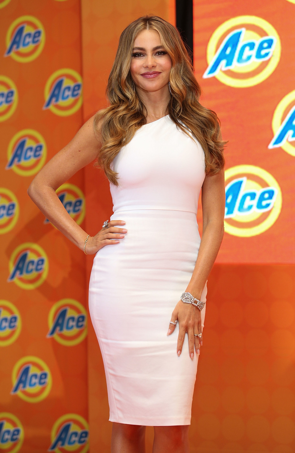 Sofia Vergara_Dana Assymetric Dress_6.26.jpg
