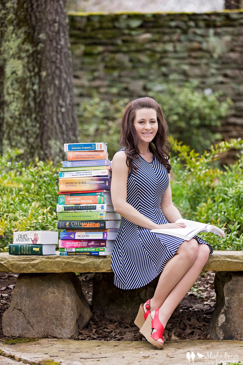senior-girl-portrait-knoxville-college-textbooks.jpg