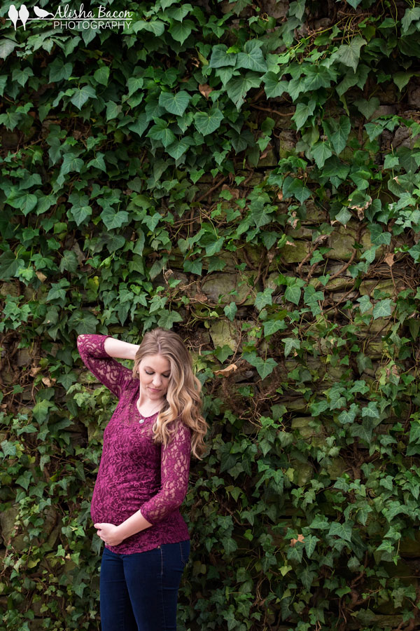 maternity-knoxville-in-ivy-wall.jpg