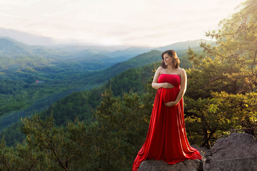Smoky-Mountain-photographer-maternity-picture.jpg