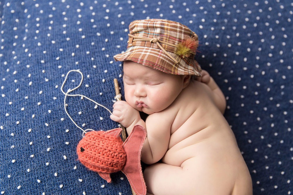 knoxville-fishing-newborn-photographer.jpg