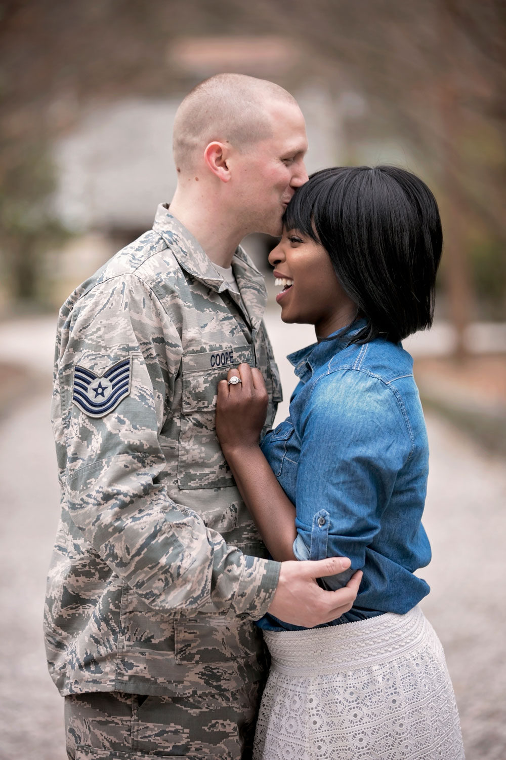knoxville-engagement-photographer-happy-couple.jpg