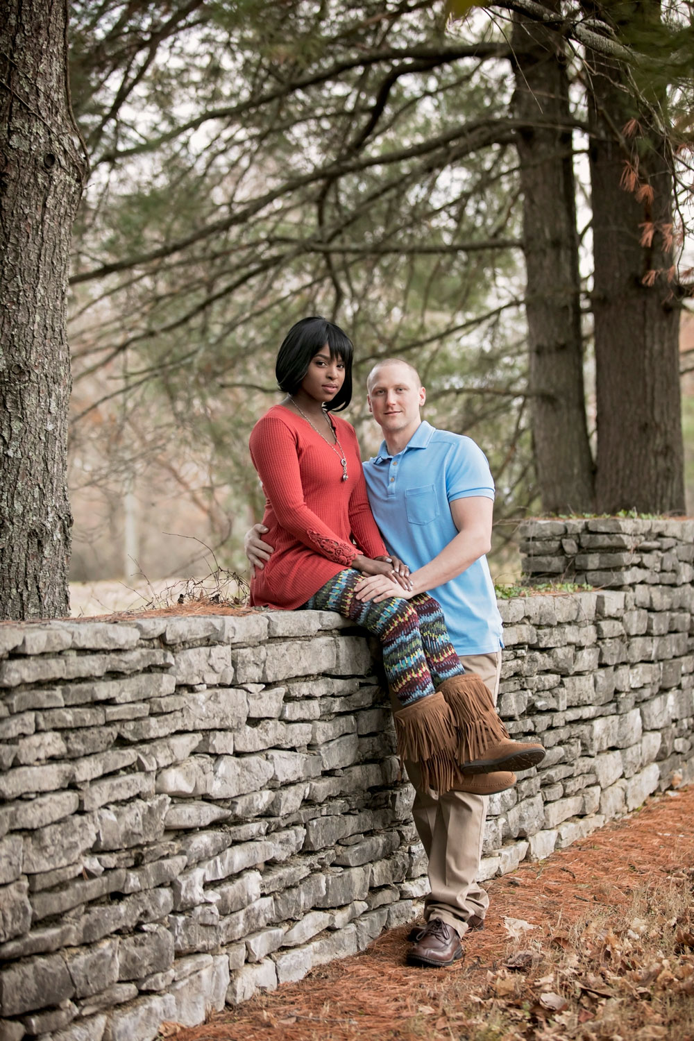 knoxville-photographer-engagement-sitting-on-wall.jpg