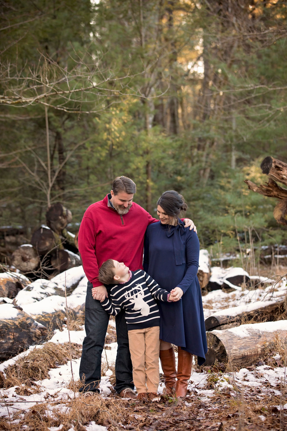 Gatlinburg-photographer-wooded-family-photo.jpg